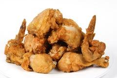 棕色鸡酥脆油煎的金黄堆 库存照片