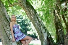 森林女孩 免版税库存照片