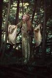森林未婚在黑暗的森林 免版税库存图片