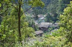森林村庄 免版税库存照片