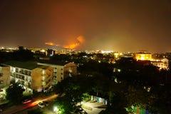 森林火灾在土井素贴山,清迈,泰国肆虐 库存图片