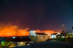 森林火灾在彻尔 del树丛,库埃纳瓦卡,莫雷洛斯州,墨西哥 免版税库存图片
