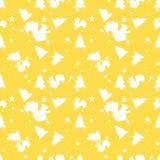 森林灰鼠和杉树黄色无缝的样式 向量背景 库存照片