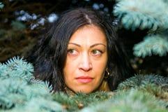 森林纵向妇女 库存照片