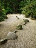 森林路石头 免版税库存图片