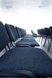 椅子会议室 免版税库存图片