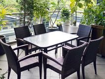 椅子和桌在咖啡馆 库存图片
