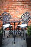 椅子和桌 免版税库存图片