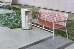 椅子和植物装饰 免版税图库摄影