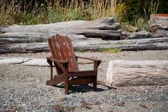 椅子和海滩 图库摄影