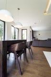 椅子在客厅 免版税图库摄影