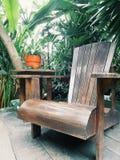 椅子在庭院里 免版税图库摄影