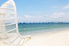 椅子在海边 库存照片