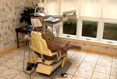 椅子牙科卫生师 库存图片