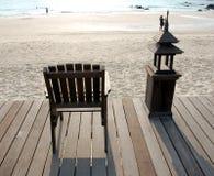 椅子甲板木饰面的海运 免版税图库摄影