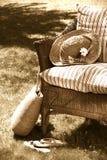 椅子老柳条 免版税库存图片