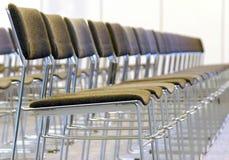 椅子行 免版税库存图片