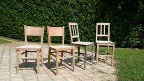 椅子被找到在村庄 免版税库存照片