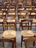 椅子闲置位置的行 免版税库存照片