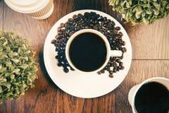 植物和咖啡上面 免版税图库摄影