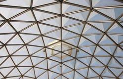 植物的圆顶玻璃屋顶结构 库存照片