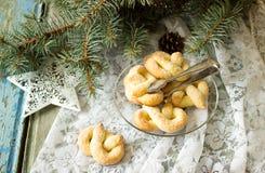 椒盐脆饼用在新年或圣诞节装饰的糖 土气样式,选择聚焦 免版税图库摄影