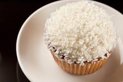 椰子杯形蛋糕 免版税库存照片