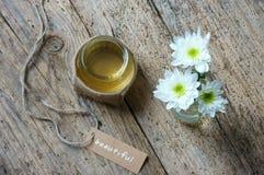 椰子油,精油,有机化妆用品 免版税库存照片