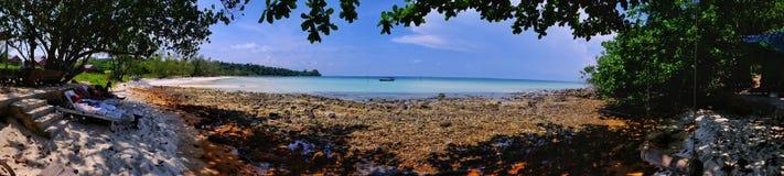 椰子海滩,在酸值荣海岛上,柬埔寨 库存图片