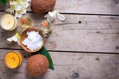 椰子温泉设置 免版税图库摄影