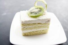 椰子蛋糕和猕猴桃 库存照片