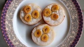 椰子香蕉蛋糕 图库摄影
