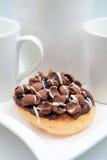 椰树咬嚼巧克力蛋糕 免版税库存图片