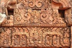 楣石在Banteay Srei 免版税库存图片