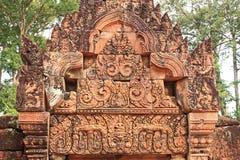 楣石在Banteay Srei 库存图片