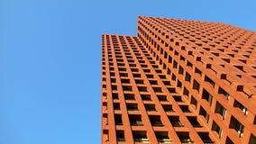 楼上大厦颜色现代红色 免版税库存图片
