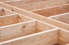 楼层安装托梁由木料制成 库存图片