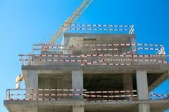 楼房建筑起重机站点 免版税库存图片