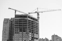 楼房建筑,推力起重机 未来和家庭生活,甜 免版税库存照片