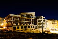 楼房建筑晚上站点 库存照片