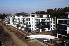 楼房建筑现代下面 免版税库存照片