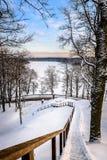 楼梯在冬天 免版税库存照片