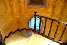 楼梯在宫殿 免版税库存照片