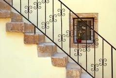 楼梯黄色 免版税库存图片