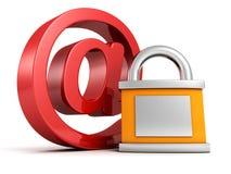 概念互联网安全: 在电子邮件标志的红色与挂锁 免版税库存图片