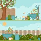 概念从事园艺 庭院从事园艺的春天工具 与夏天庭院l的横幅 向量例证