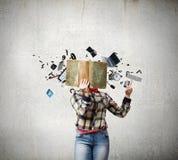 概念剪切在老纸读取眼镜表面上写字染黄 免版税图库摄影