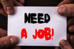 概念性手文字文本陈列需要工作 概念意思失业失业的工作者查寻在稠粘的N写的事业 库存图片