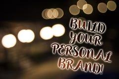 概念性手文字陈列修造您的个人品牌诱导电话 陈列企业的照片创立成功的公司 免版税库存图片