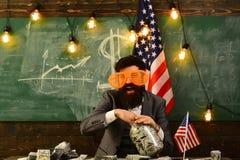 概念性经济财务图象货币健康 爱国心和自由 美国的独立日 预算增加政策收入计划  旅行 免版税库存图片